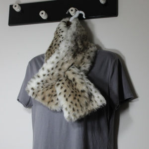 Dennis by dennis Basso Faux Lynx Fur Wrap Collar